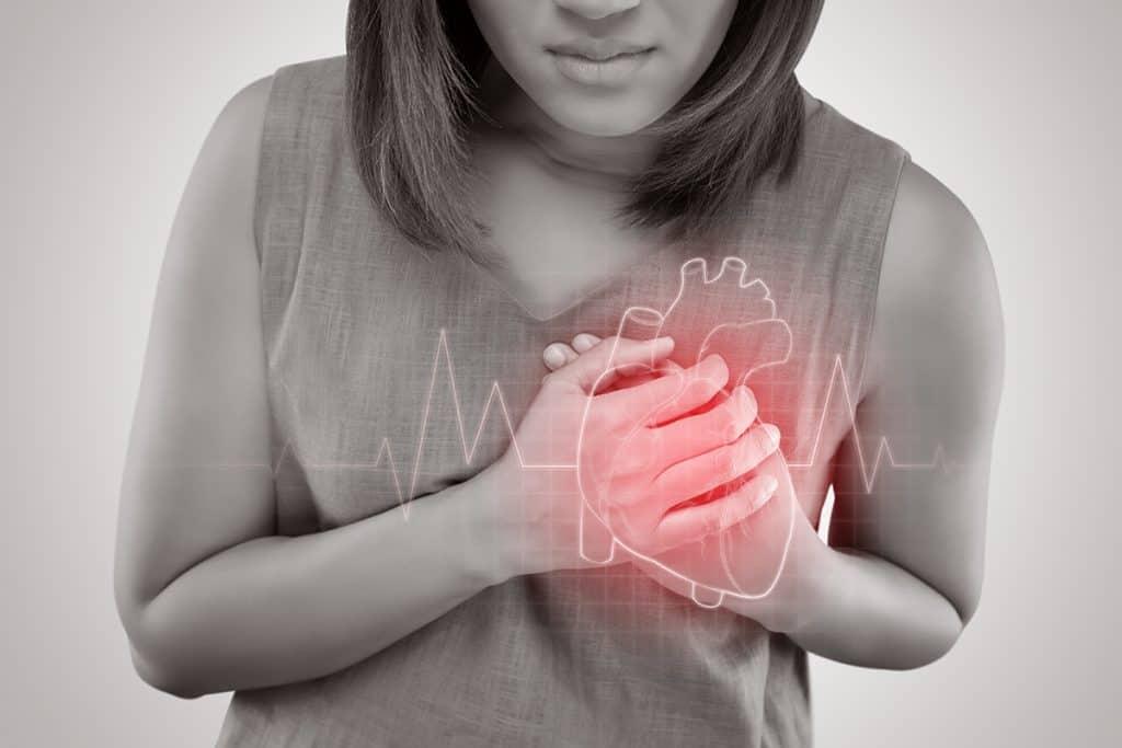 dolor en el pecho corazon
